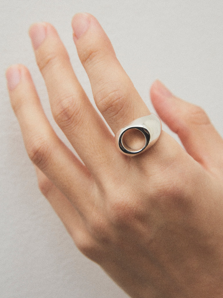 WEISS NUANCE OVAL RING SILVER 2