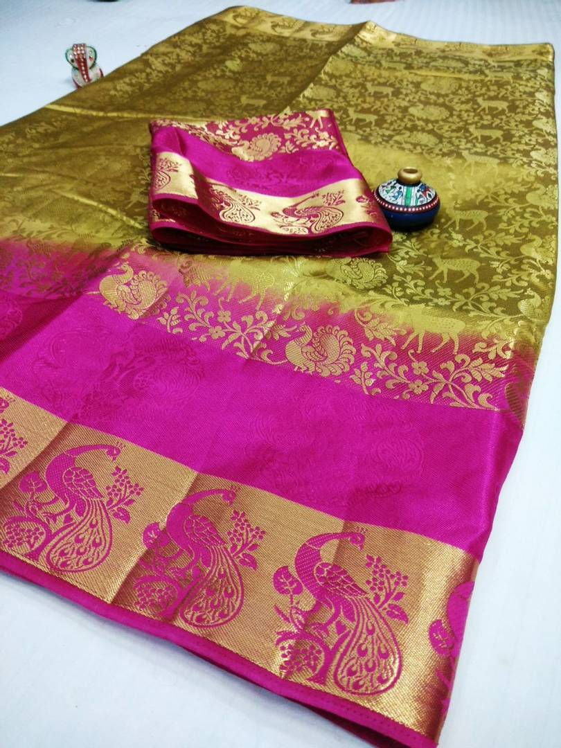 Women's Beige Jacquard Banarasi Silk Saree With Blouse Piece