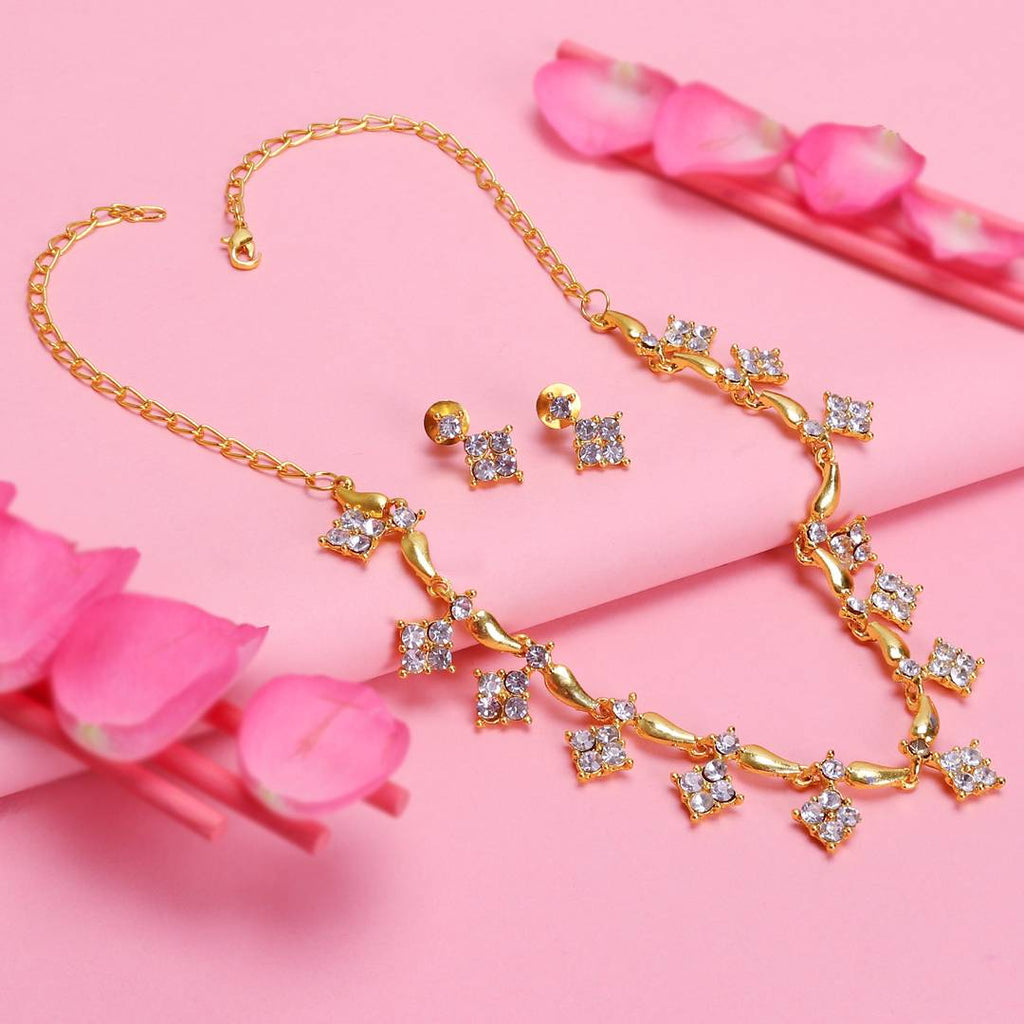 Adorable Gold Plated Necklace Set For Women