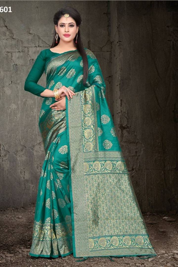 Beautiful Silk Blend Saree with Blouse piece