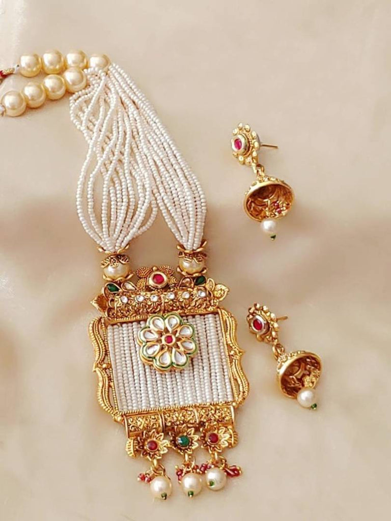 Traditional Pearl and Stone Jewellery Set for Women