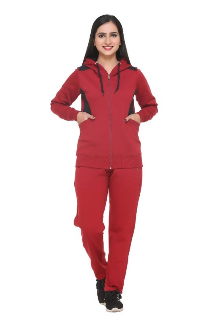 Women's Stylish Fleece Tracksuit For Winters