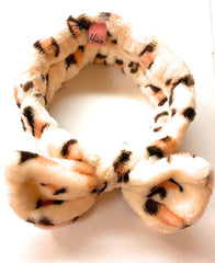 Mia Beauty Face Washing Headband in leopard print with bow