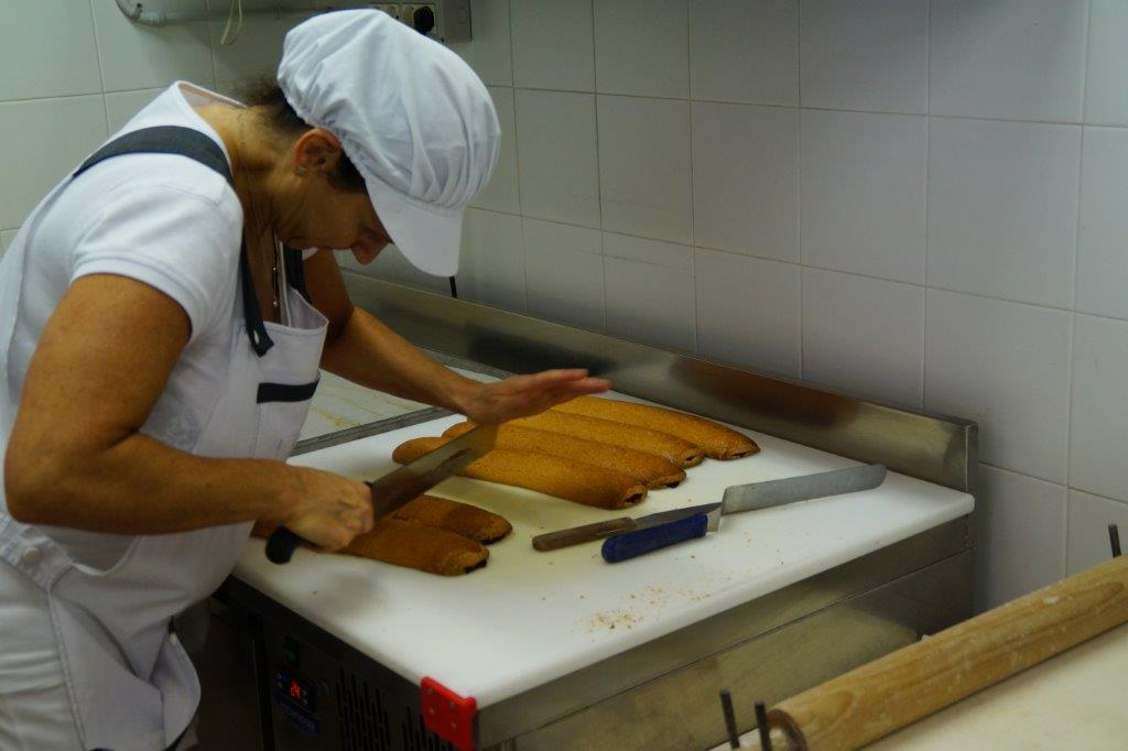 TDC Preparing cantucci traditional recipe