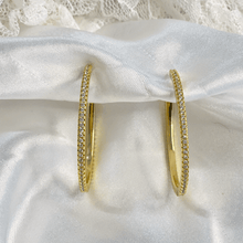 Load image into Gallery viewer, Women Gold Hoops