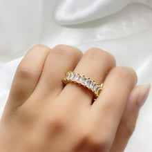 Load image into Gallery viewer, Women's Diamond Ring in gold