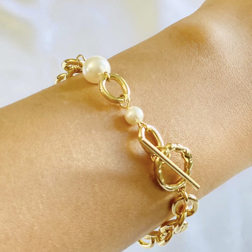 Women's Gold Bracelet with Pearls