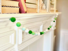 Load image into Gallery viewer, CHARMING WOOL FELT BALL GARLAND