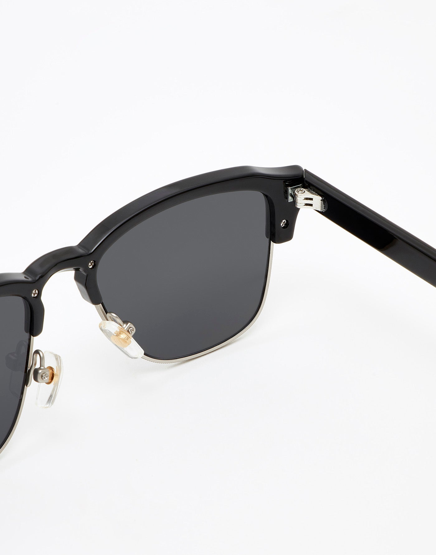 Diamond Black · Dark New Classic