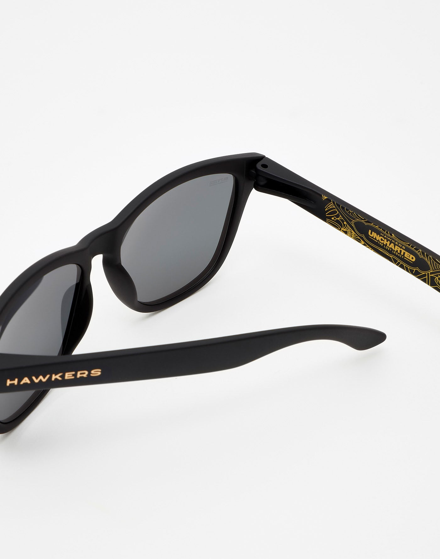 Hawkers x Uncharted · Carbon Vegas Gold