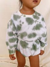 Load image into Gallery viewer, Hannah Sweatshirt (Avocado)