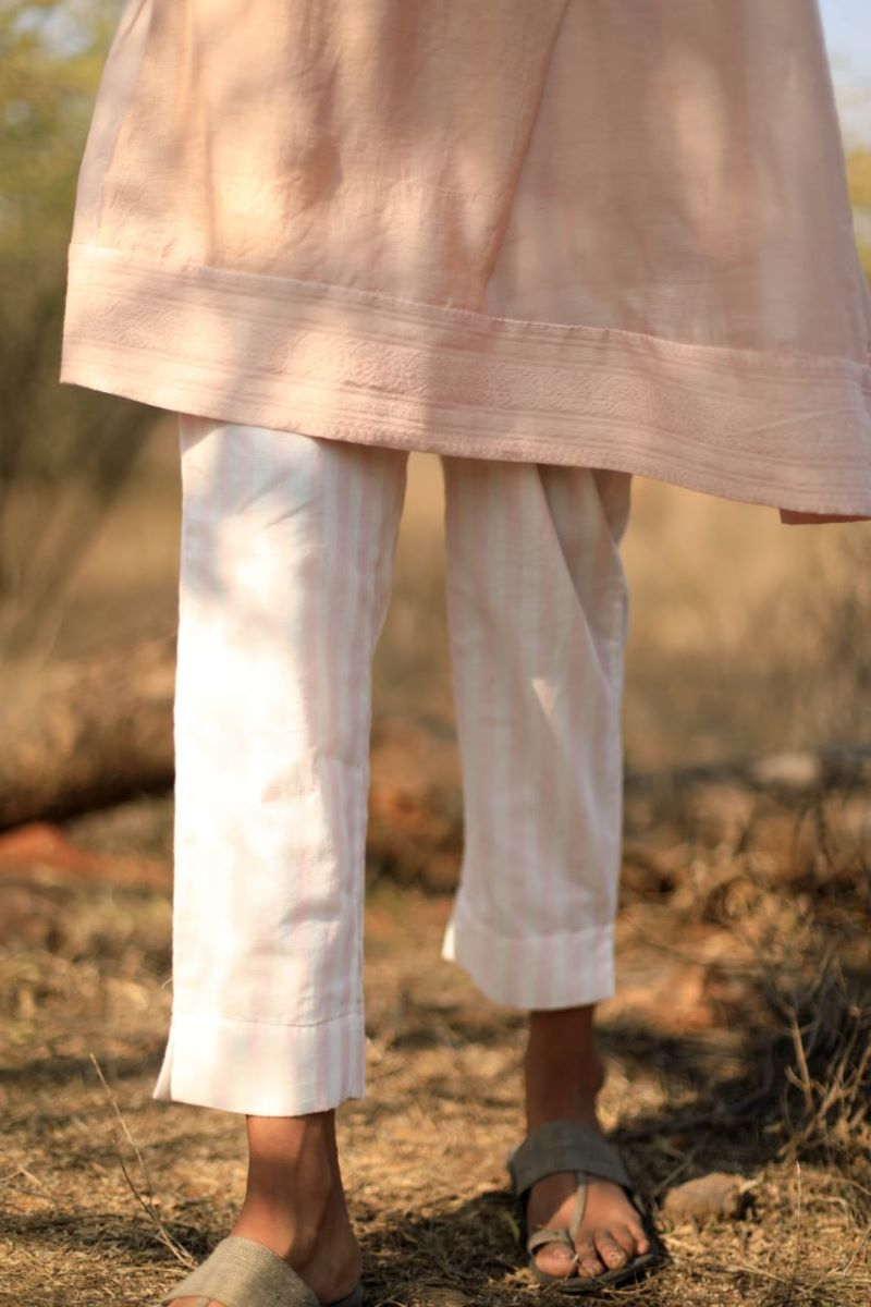 Cigarette pants in handloom cotton pink stripes