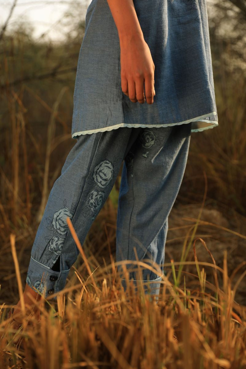 Salwar In indigo With Rose Print