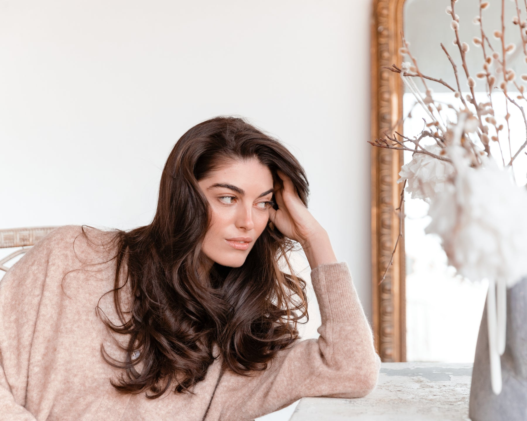 COMBAT THE COLD WEATHER WITH THESE 5 HAIR CARE TIPS!