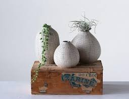 White & Black Stoneware Textured Vase Set