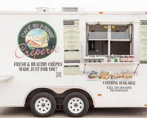 Cafe du Monde's food truck, serving fresh and healthy crepes just for you.