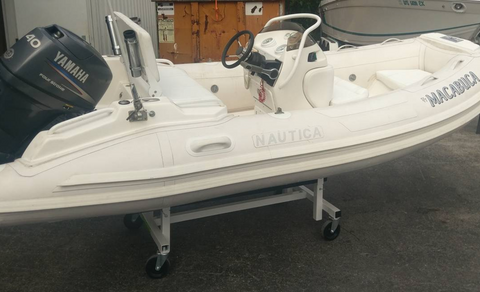 Pre-Owned - 2004 Nautica 12 WideBody with Yamaha 40