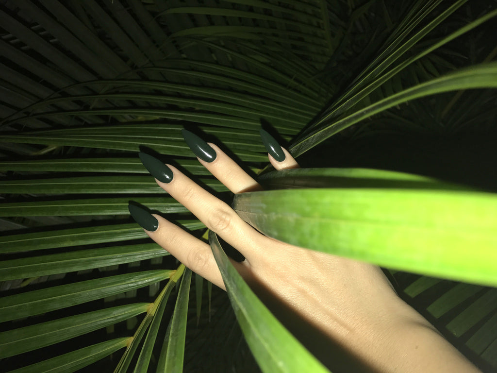 7-FREE NAIL POLISH - Night Palm
