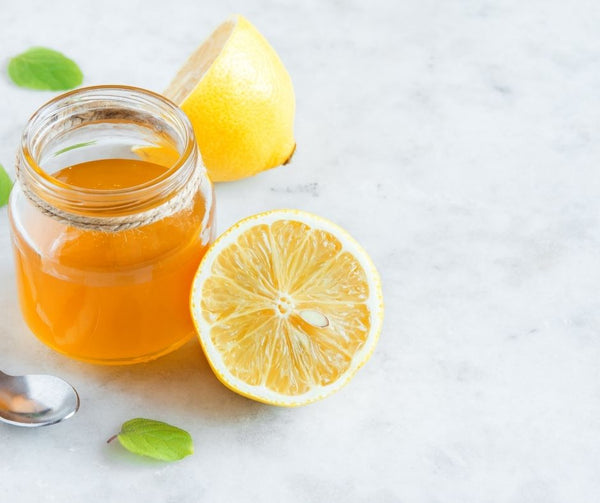 Cleansing With Lemon And Honey