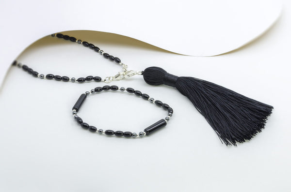 Raven Beauty Tassel Necklace