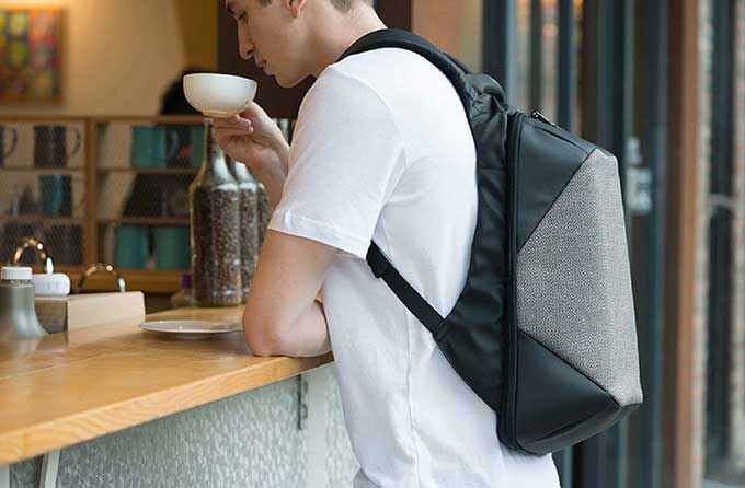 Made from material that forms to your body's shape and breathes, business anti-theft backpack-kingsons.com