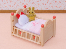Load image into Gallery viewer, Sylvanian Families Baby Crib