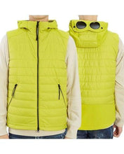 Load image into Gallery viewer, CP COMPANY GILET-GREEN
