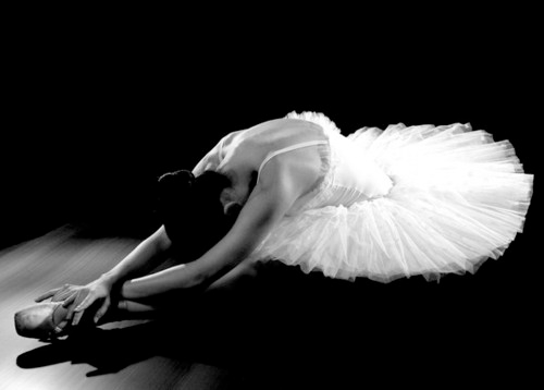 Halloween Inspiration: Black Swan