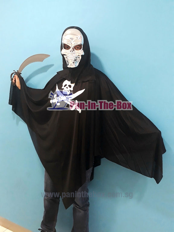 Silver Skull Mask With Cape