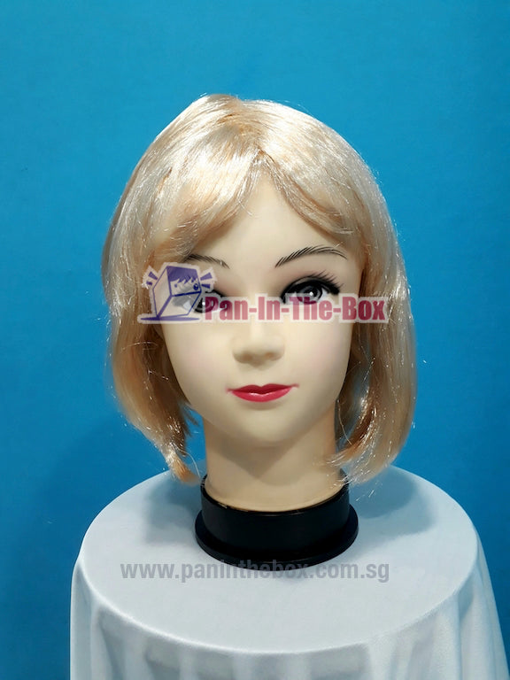 Short Straight Blonde Wig