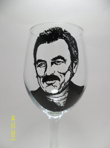 Tom Selleck, Blue Bloods,  Wine Glass