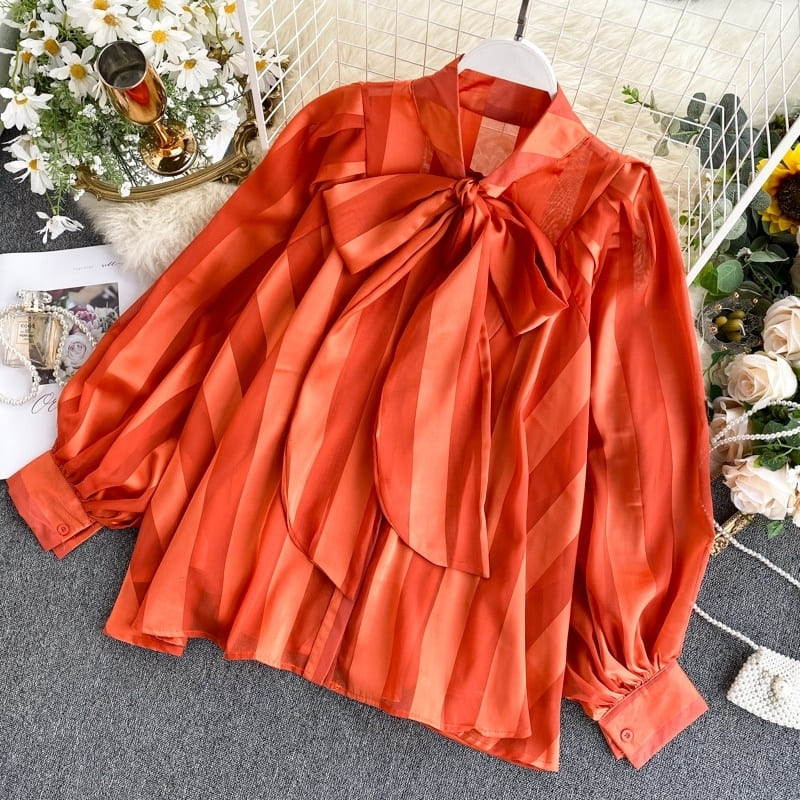 Blouse Satin Rouge.