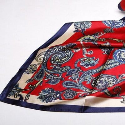 Foulard Satin Rouge Jacquard Multicolore.