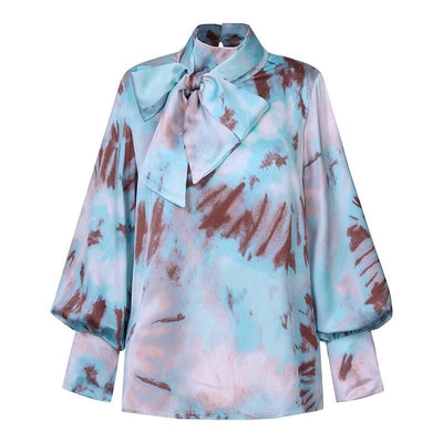 Blouse Satin Bleu Motif Tie And Dye.