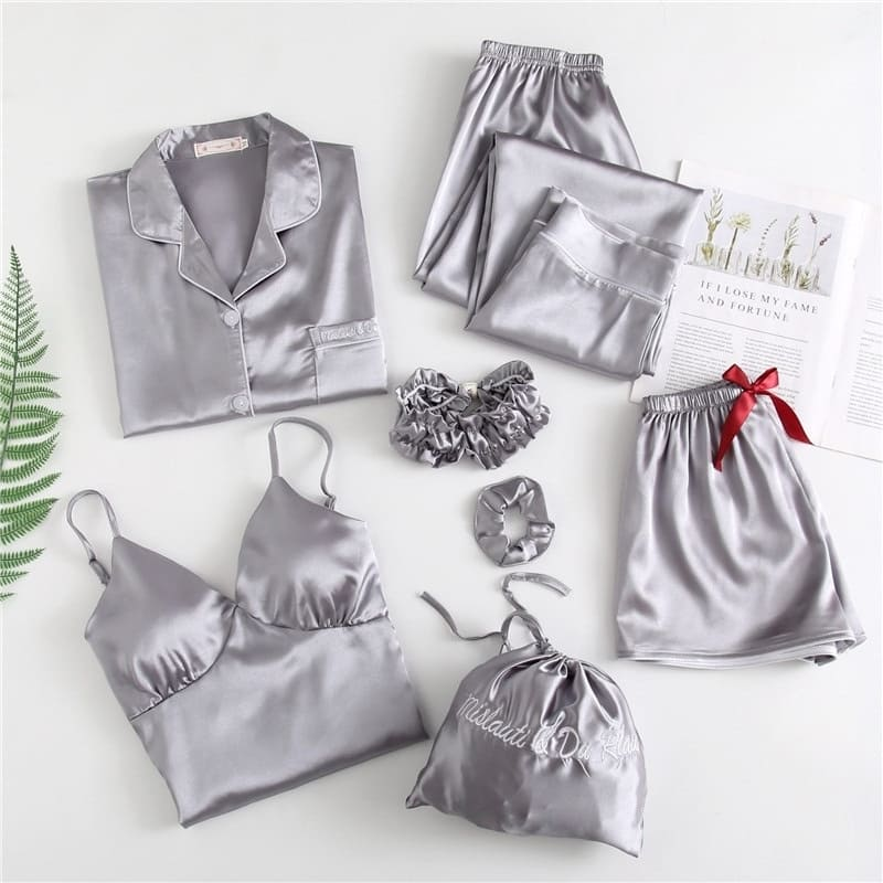 Ensemble Pyjama Satin Gris.