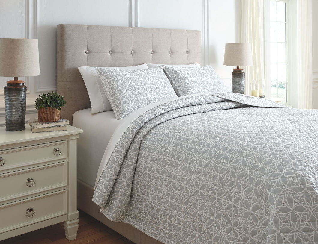 Mayda Gray/White King Quilt Set