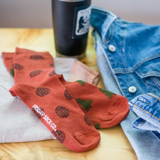 Friday Sock Co. - Women's Recycled Cotton Pine Cone & Pine Tree Socks