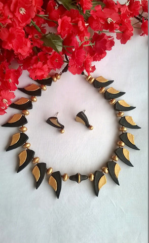 Black & Gold Leaf Terracotta Jewellery set