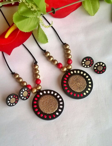 Black and Golden Floral Round Terracotta Pendant Set-TJS-054