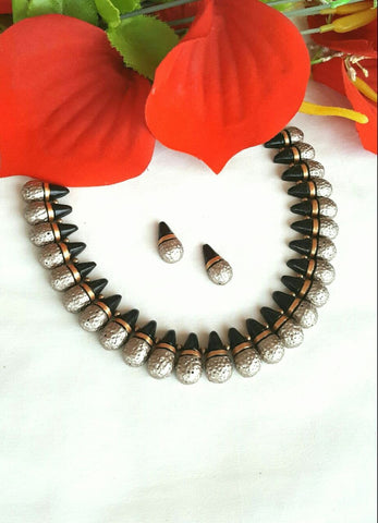 Black and Silver Droplet Designed Terracotta Jewellery Set-TJS-071
