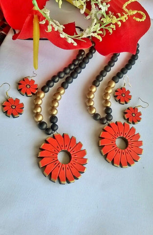 Orange Floral Shaped Terracotta Pendant Set-TJS-058