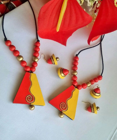 Orange and Yellow Pentagon Shaped Terracotta Pendant Set-TJS-057