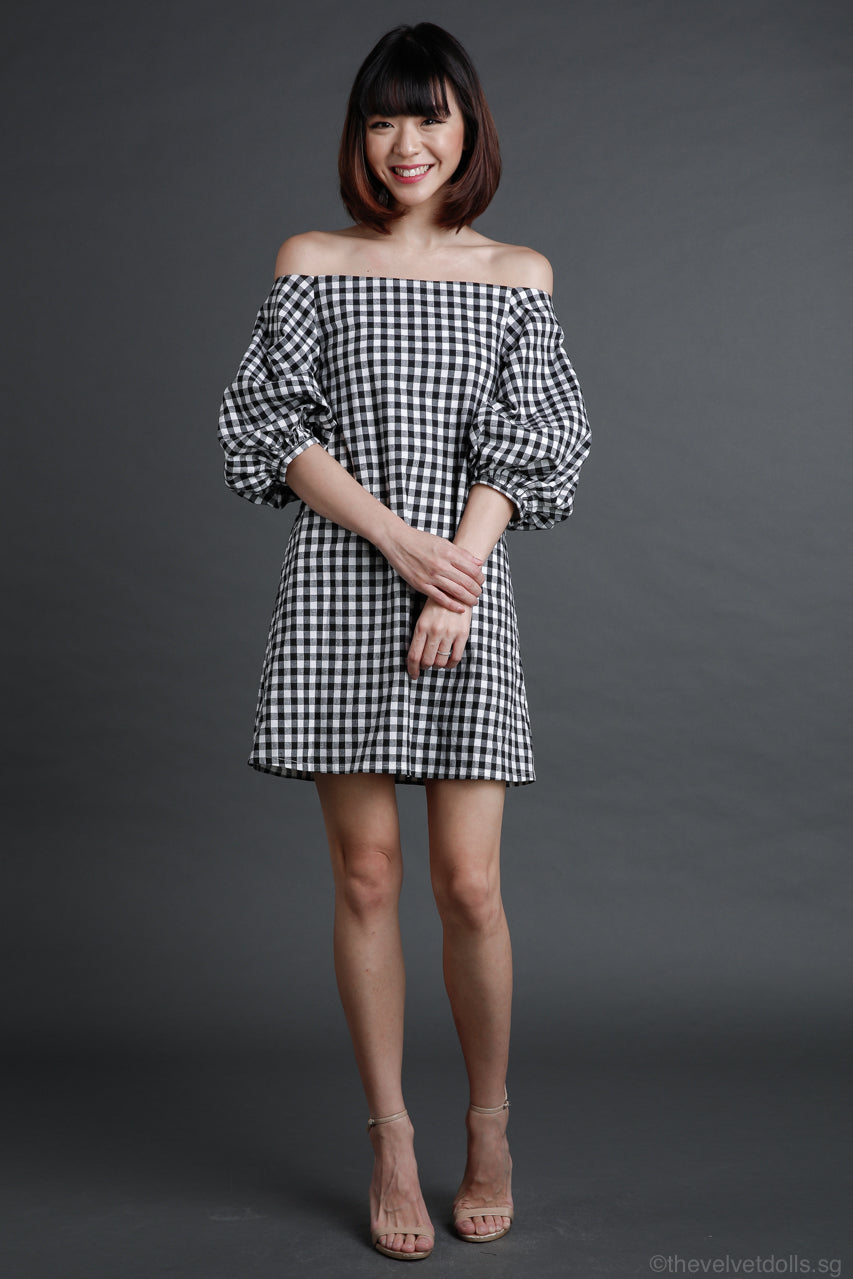 Zoe Gingham Pouf Sleeve Dress in Black