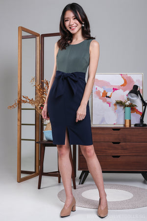 A-Lister Colorblock Dress in Moss/Navy