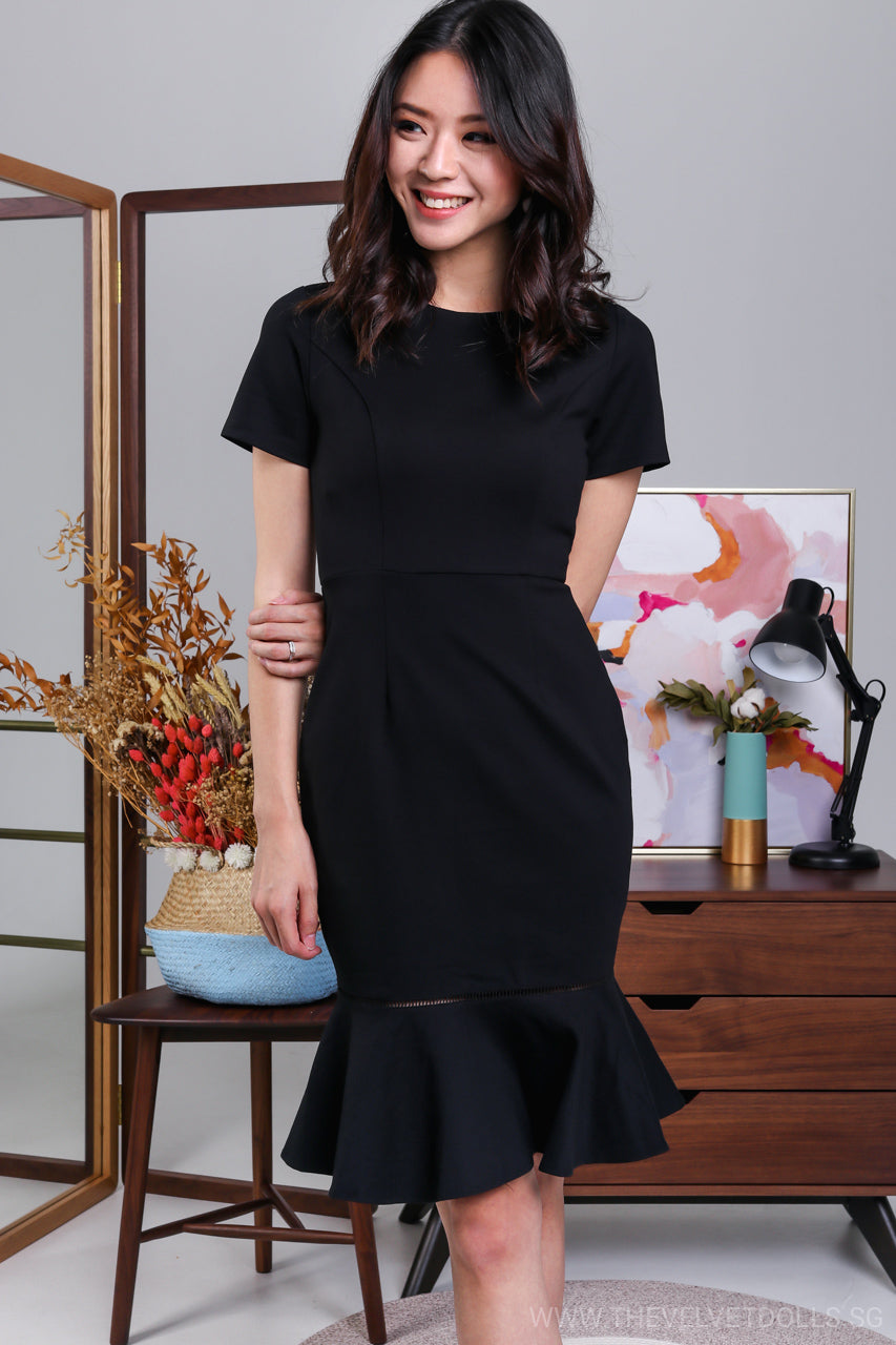 Odette Mermaid Midi Dress in Black