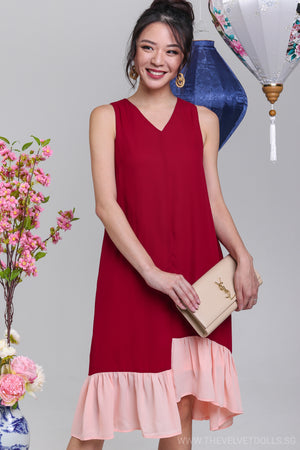 Step Out Contrast Dress in Wine