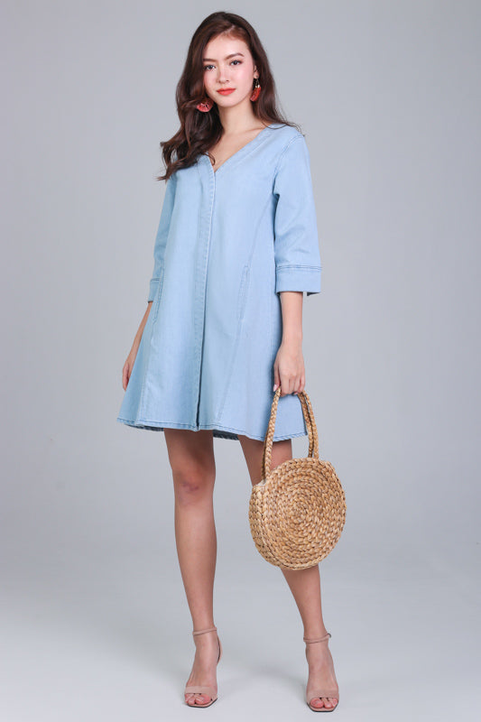 Alicia Denim Sleeved Dress in Light