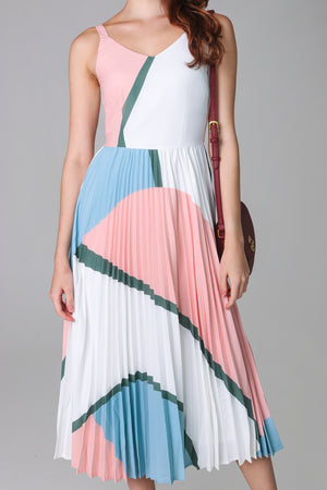 Altitudes Graphic Pleated Dress in Peach Sky
