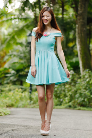 Restocked* Arianna Off-Shoulder Dress in Tiffany Mint