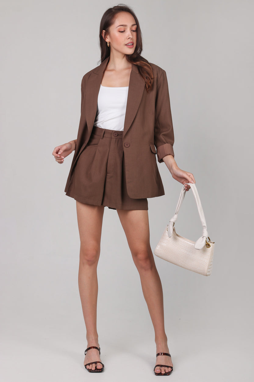 Ellis Boyfriend Blazer in Chocolate
